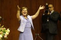 No discurso de posse, deputada lembrou os obstáculos enfrentados pelas mulheres cotidianamente