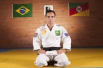 O judoca da Sogipa Felipe Kitadai luta por um lugar no pódio do Grand Slam de Paris