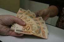 Sete entre dez investidores deixam o dinheiro na poupança