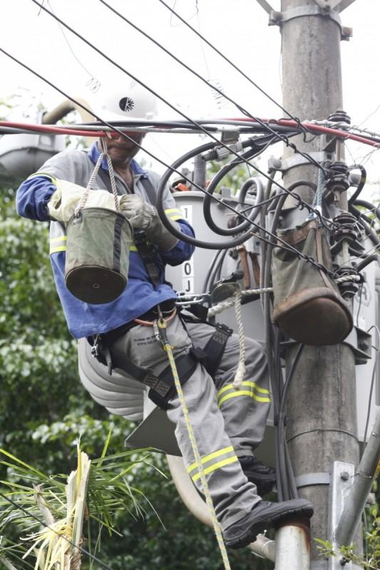 CEEE mobilizou 1,5 mil profissionais para realizar os reparos na Capital