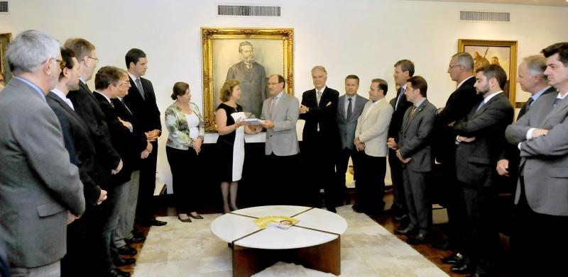 Declaração do peemedebista ocorreu após solenidade com a presidente da Assembleia, Silvana Covatti