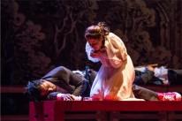 Emílio Farias e Aline Jones protagonizam Romeu e Julieta