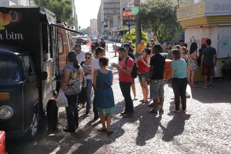 Legislação institui a atividade de gastronomia itinerante na cidade