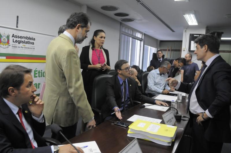 Comissão de Ética Parlamentar definiu os nomes dos três parlamentares