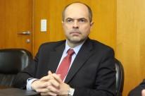 Barichello explica as penalidades para quem não normalizar a situação