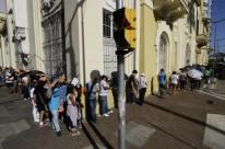 Moradores da Região Metropolitana participaram de entrevistas com representantes de várias empresas