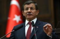 Premiê Ahmet Davutoglu disse que Moscou tem atacado civis
