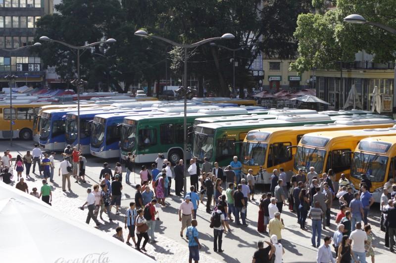 Prefeitura apresentou os quase 300 ônibus do Novo Sistema de Transporte