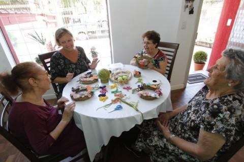 Porto Alegre ganha primeira creche particular para idosos