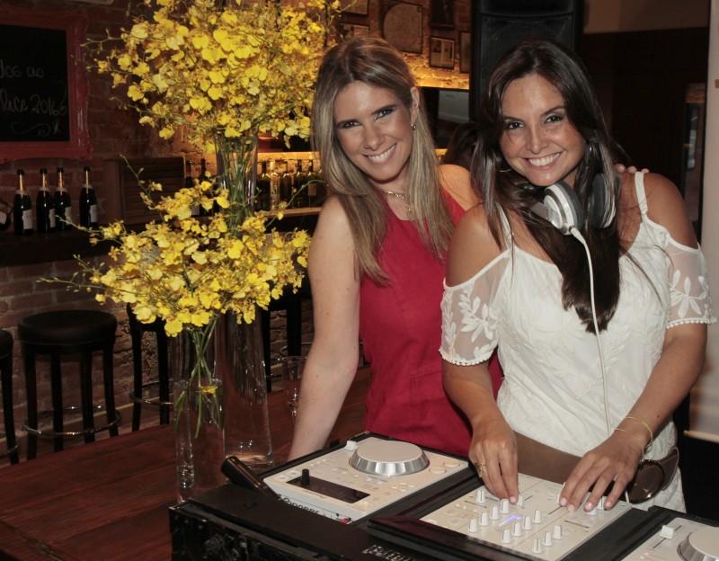 Georgiana Fauri e Angélica Martins comandaram o som na Ora Felice