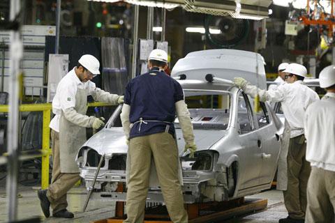Programa vai oferecer incentivos que valem tanto para quem produz veículos como para quem importa