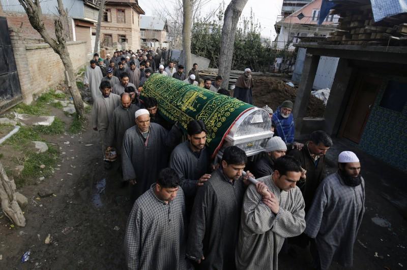Vítimas morreram em meio a disparos das forças de segurança