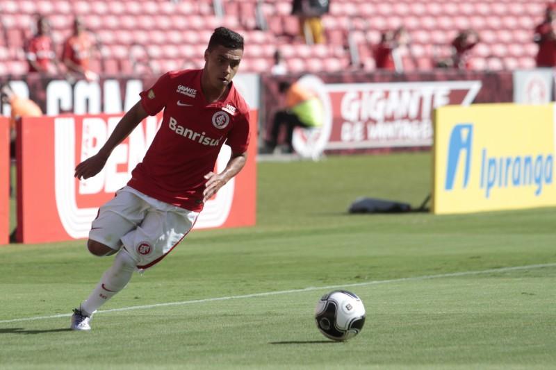 Alisson Farias espera receber mais oportunidades na equipe colorada