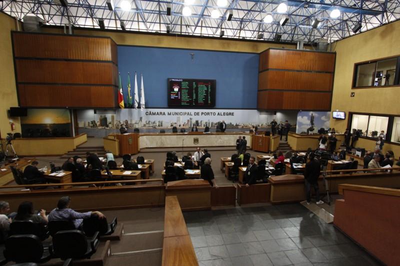 Reajuste da tarifa do transporte coletivo foi debatido na tribuna
