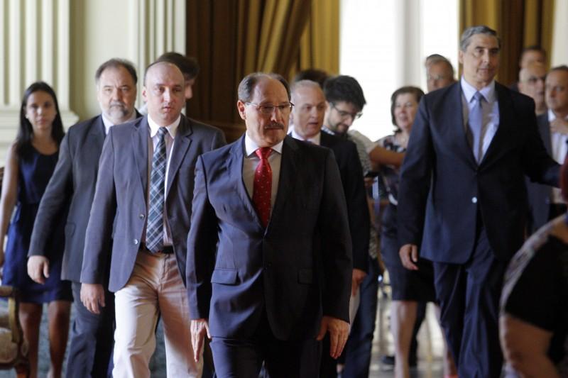 Para Sartori, solução por negociação política ainda não foi esgotada