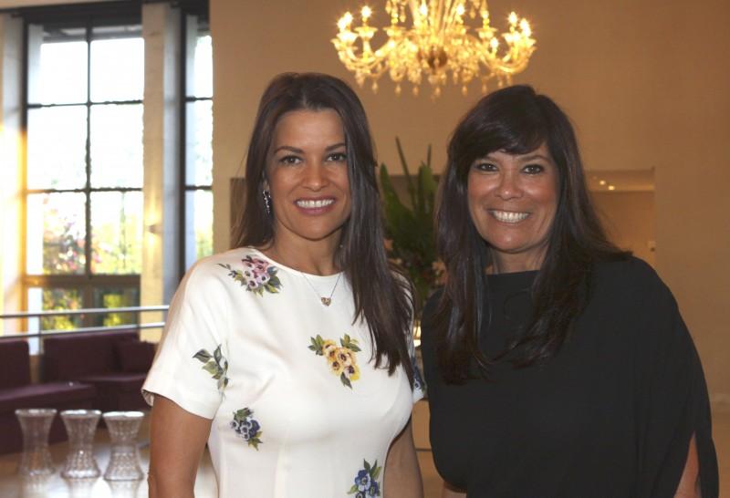 Nora Teixeira e Bettina Becker apresentaram o exclusivo Baile de Debutantes