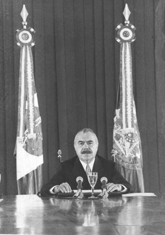 Em 28 de fevereiro de 1986, o presidente José Sarney anunciou o conjunto de ações econômicas ao País