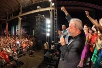 Lula discursa e tenta explicar relação com imóveis em São Paulo