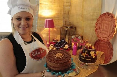 Apesar de faturar com o Chalah,o foco da Lauren está na assinatura de bolos e encomendas para eventos