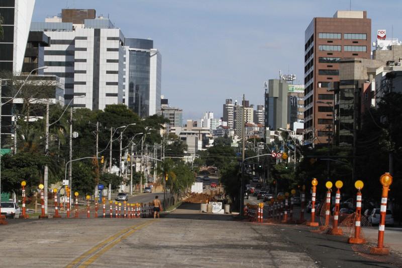 Fortunati mantém estímulo a construções maiores junto à Terceira Perimetral, mas derruba no entorno dos BRTs