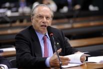 Maluf é internado em São Paulo