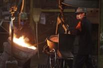 Setor industrial recuou 6,2% em 2015, pressionando a queda do Produto Interno Bruto