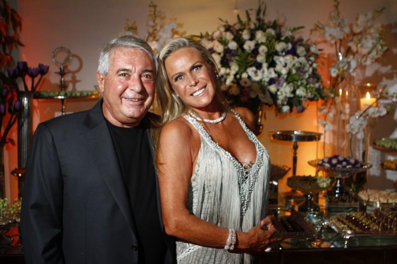 Alberto Storni e Denise Schitz recepcionaram os convidados
