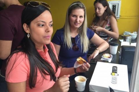 Cliente Gabrielle Figueiredo vai pela primeira vez à confeitaria Amo.Te Lisboa