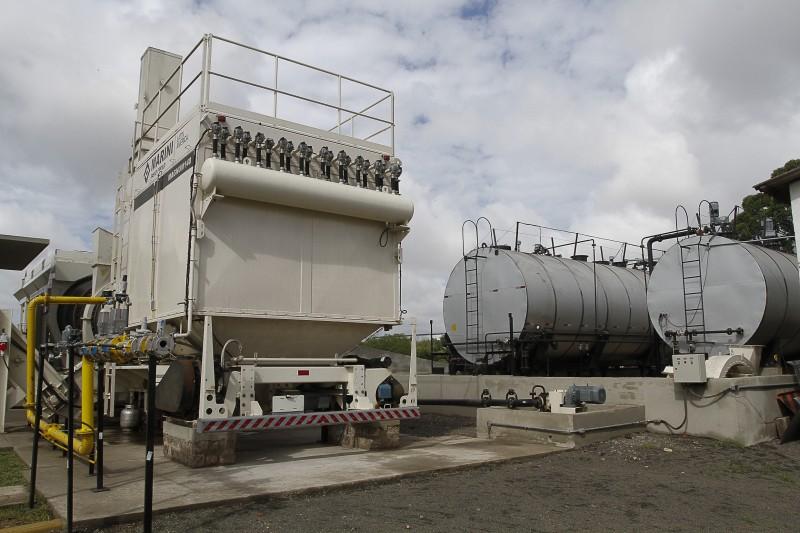 Usina utiliza gás natural e filtros, com foco na sustentabilidade ambiental