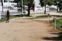 Trecho por onde a nova via passará está marcado com estacas