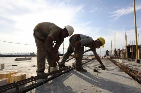 Vendas da indústria de material de construção crescem 2,8% em agosto, diz Abramat