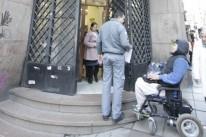 Usuários criticam falta de acessibilidade do prédio no Centro da Capital