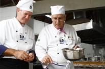 Ibanês Pavinato e José Ecil Teixeira no jantar dos chefs no Espaço Épico do GNU