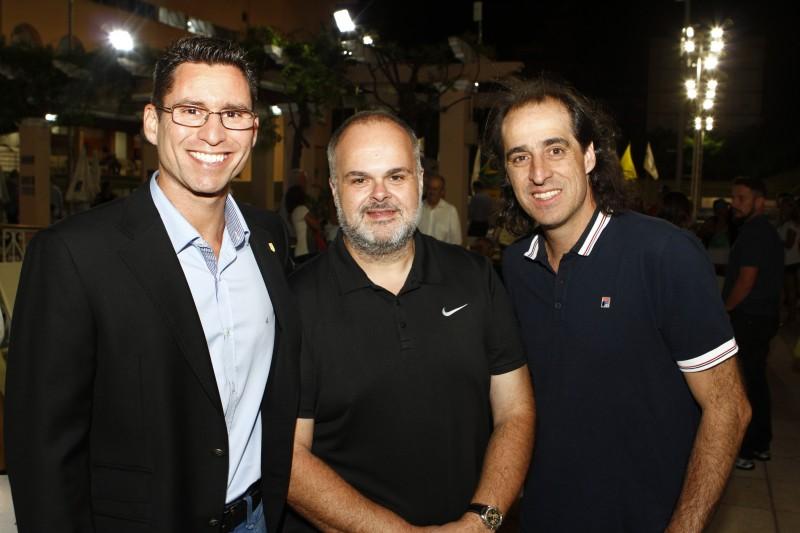 Eduardo Machado, presidente da ALJ, Roberto Petersen Mello, presidente da Federação Gaúcha de Tênis e Fernando Meligeni