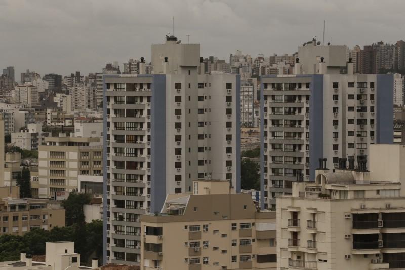 Habitação caiu de 0,03% para 0,07%