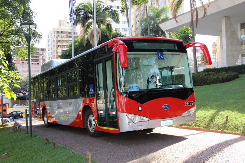 O ônibus elétrico foi usado linha T-9
