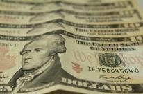 Dólar volta a subir por cautela com reforma da Previdência