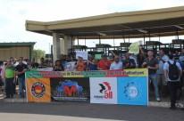 Trabalhadores da Arteb protestam contra indefinição do pagamento da rescisão pela GM foto César Moraes _Playpress