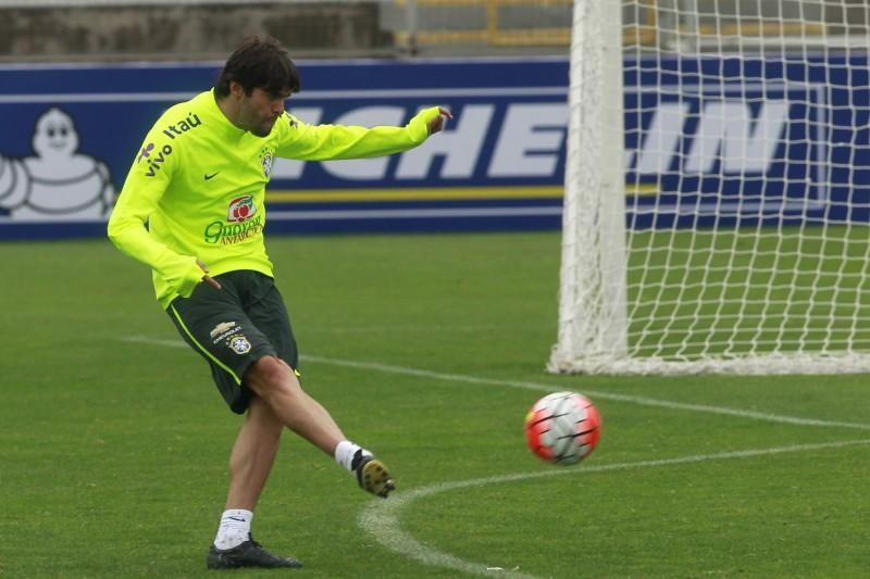 Kaká avisa que está disposto a  jogar a Copa América Centenário