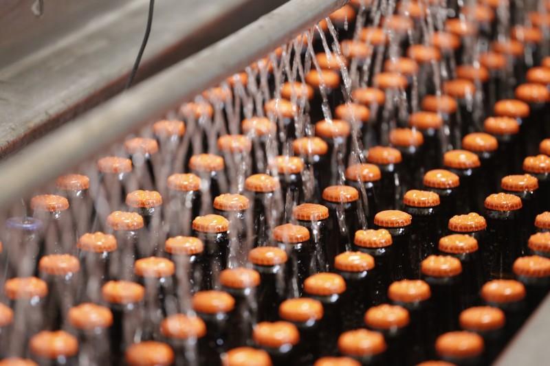 Recuo na fabricação acompanha o movimento de redução do consumo, especialmente em bares