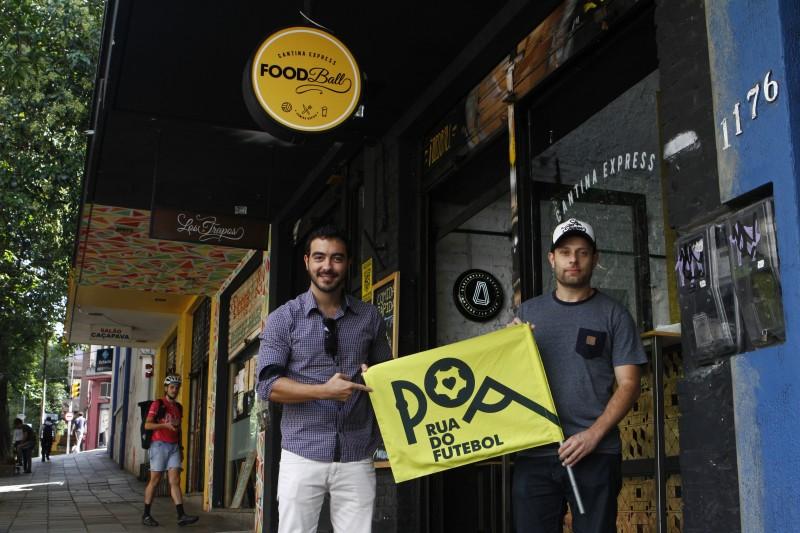 """Gutierres (E) e Quines: abertura da Foodball quer mobilizar """"Rua do Futebol"""" na Fernando Machado"""