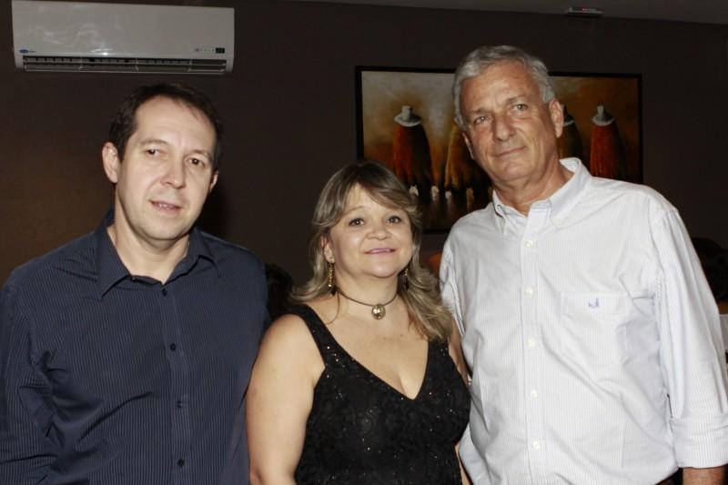 Rodrigo Albernaz, Cristiane Petzold e Cristian Benavente recepcionaram os convidados