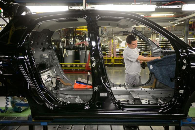 Segmento de veículos automotores, reboques e carrocerias foi o destaque negativo, com queda de 9,7%