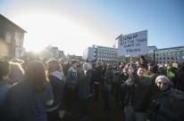Gunnlaugsson cedeu aos protestos de islandeses que foram às ruas