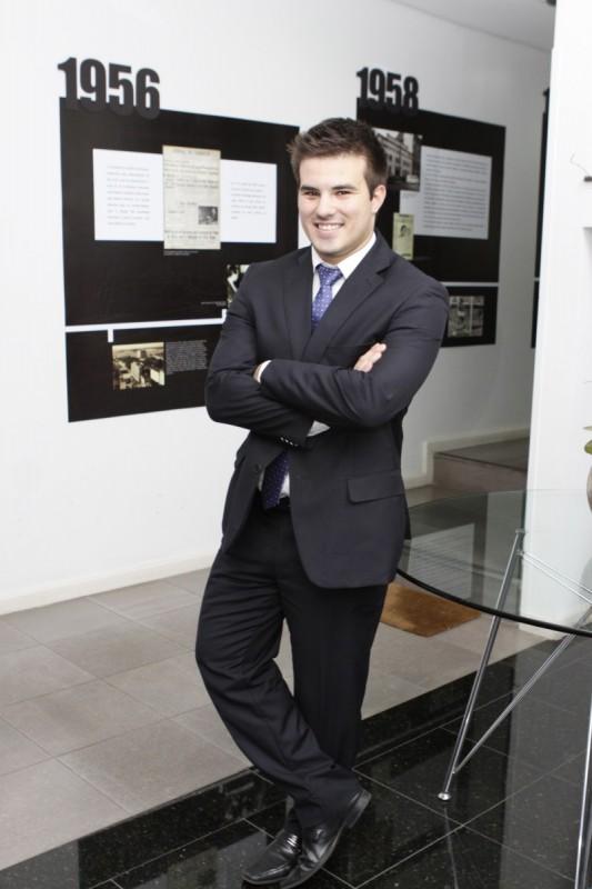 Novo presidente é Luiz Gustavo Garrido, advogado de 25 anos