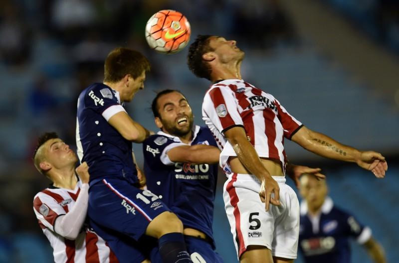 Argentinos e uruguaios ficaram no 2 a 2