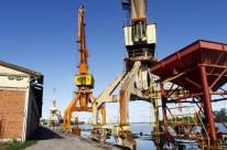 Carência de infraestrutura do local prejudica a economia, usuários e as operações de navios cargueiros