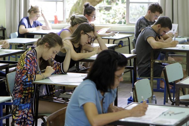 Mais de 33 mil candidatos disputarão cerca de 4 mil vagas em 91 cursos da instituição