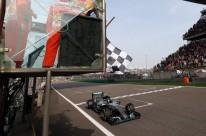 Com 75 pontos na temporada, alemão abriu 36 de vantagem sobre o inglês Lewis Hamilton