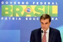 Segundo Cardozo, o governo recebeu com 'indignação e tristeza' a notícia